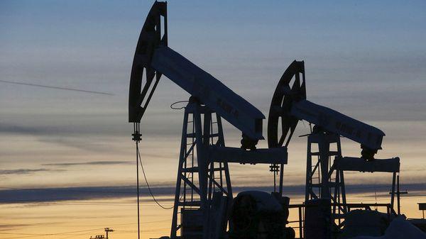 Нефть пытается уйти выше 70$ за баррель ожидая сокращения добычи