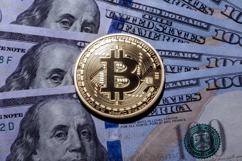 Курс биткоина зашкалил за 5 тысяч долларов