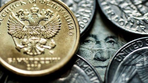 Рубль растет против доллара пятый день, что происходит с валютой?