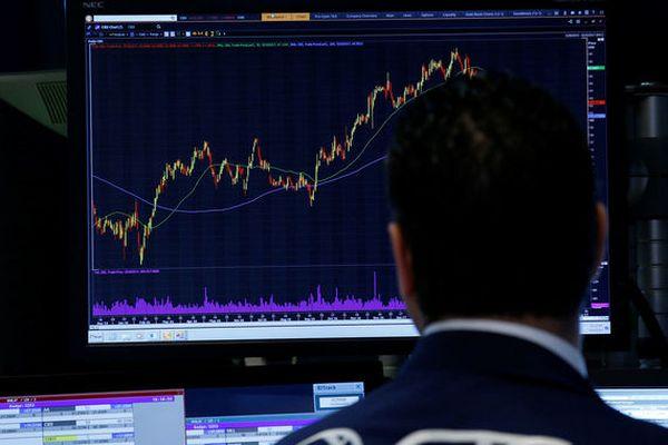 Мировые фондовые рынки завершают неделю укреплением