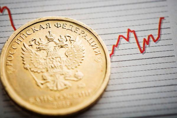 Рубль может возобновить сильное падение на следующей неделе