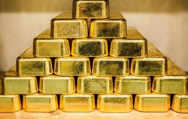 Курс золота растет на фоне нестабильности в мире и торговых войн